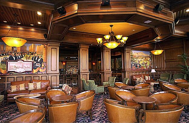 TheBroadmoor.The_Hotel_Bar_Mural_View